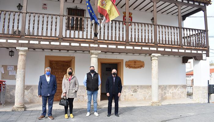 El Gobierno regional ha colaborado con el Ayuntamiento de Torrubia del Campo en la mejora y modernización del centro educativo