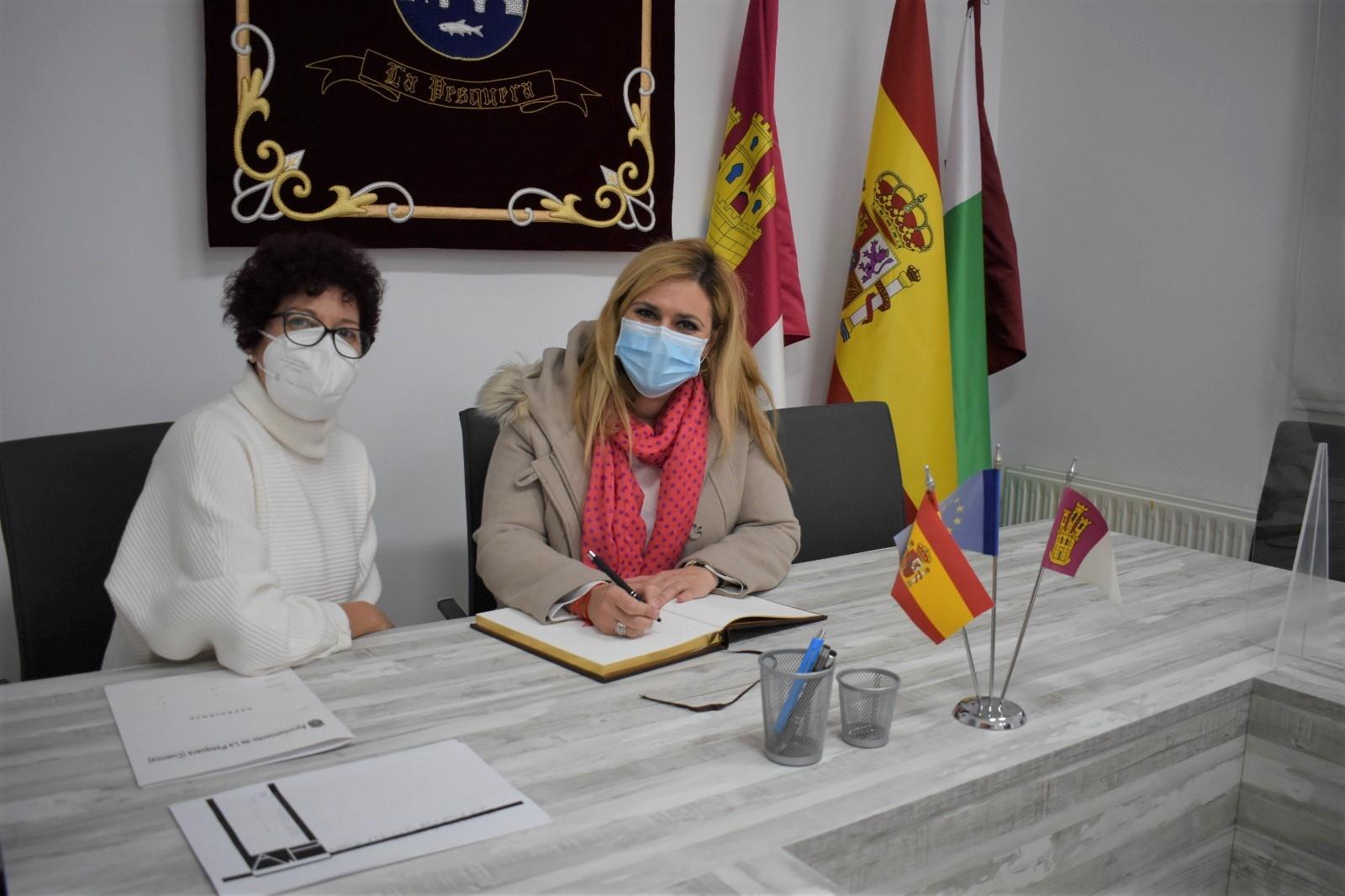 El Gobierno regional y el Ayuntamiento de La Pesquera acometen la modernización y mejora del centro educativo de la localidad