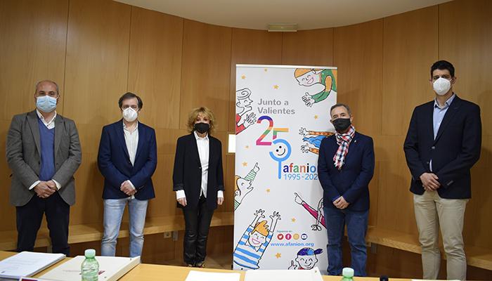 La UCLM y AFANION continuarán formando a jóvenes investigadores para trabajar sobre el cáncer infantil