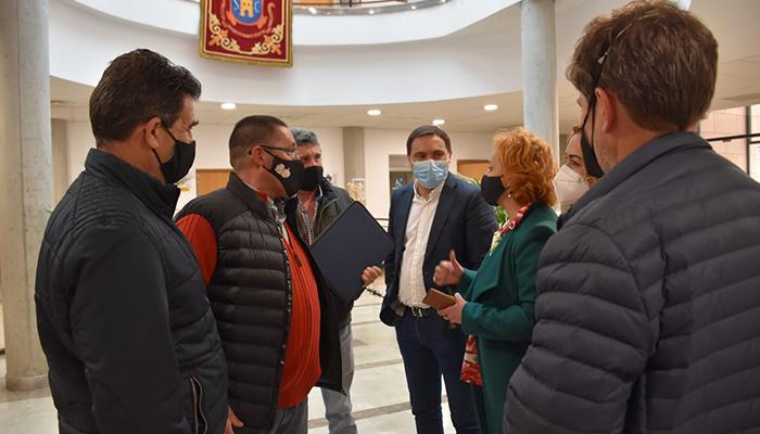 Martínez Chana anuncia en San Clemente la próxima firma de un convenio para ayudar a los regantes del Alto Guadiana