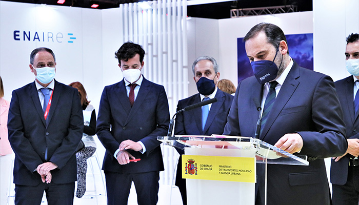 Ábalos anuncia que en los primeros días de julio volverá la restauración a los trenes de Alta Velocidad suspendidos por la pandemia