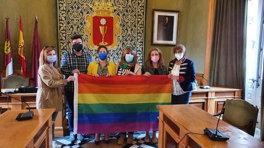 El Ayuntamiento de Cuenca se suma a la conmemoración del Día Internacional Contra la Homofobia, la Bifobia y la Transfobia