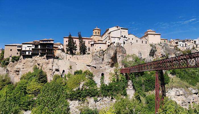 El Ayuntamiento de Cuenca aprueba la declaración de emergencia de la contratación de los trabajos de reparación y reconstrucción del muro de la calle Canónigos