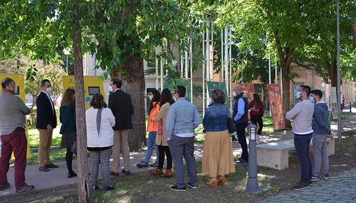 El Campus de Toledo abre la exposición 'Súmate al reto de la Estrategia de Educación Ambiental de Castilla-La Mancha'