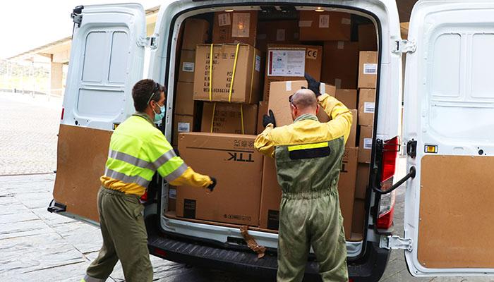 El Gobierno regional ha enviado esta semana más de 230.000 artículos de protección a los centros sanitarios