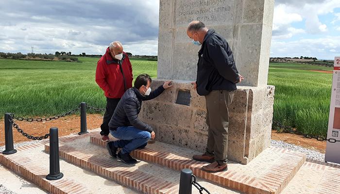 La Diputación de Cuenca colabora con el Ayuntamiento de Castillo de Garcimuñoz para restaurar la cruz de Jorge Manrique