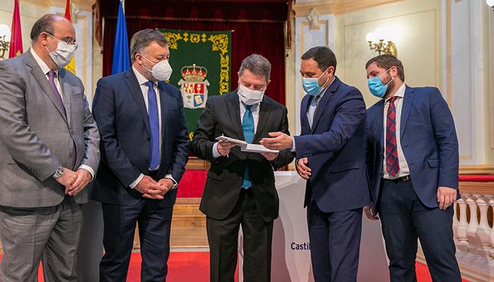 """Martínez Chana destaca que el Parque Científico y Tecnológico trae """"futuro y empresas"""" para que generen riqueza en Cuenca"""
