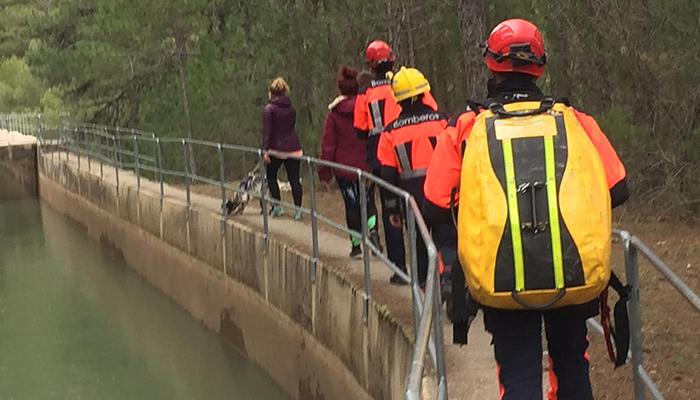 Rescatados tres senderistas atrapados en un barranco en Uña