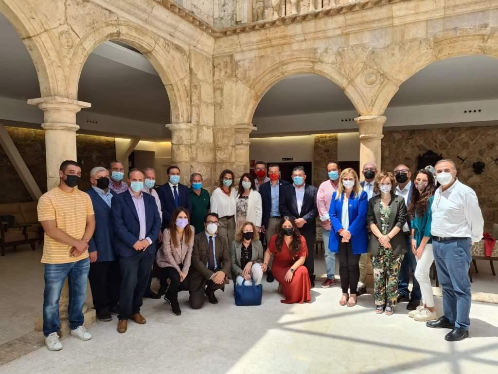 Teresa Ribera respalda el liderazgo de alcaldes y alcaldesas de Cuenca en la gestión y desarrollo de las estrategias para abordar el reto demográfico