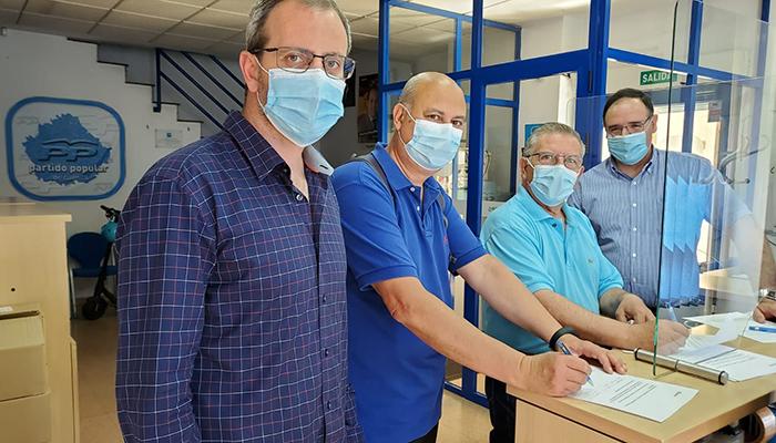 El PP intensifica su campaña de recogida de firmas en Cuenca en contra de los indultos de Sánchez a los separatistas catalanes