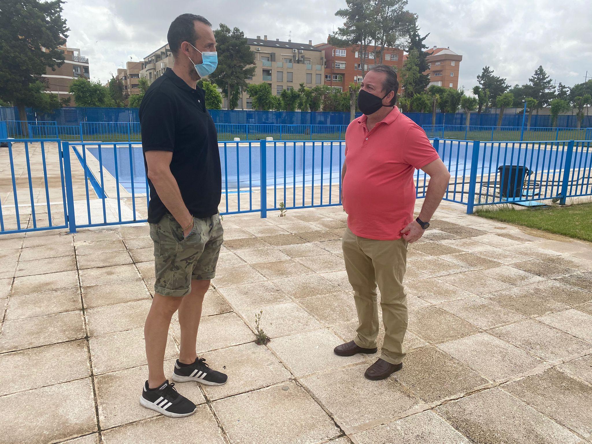 foto apertura piscina verano   Liberal de Castilla