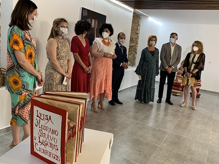 Inaugurado en San Clemente el nuevo espacio expositivo Adolfo Suárez y su primera muestra, un homenaje de mujeres artistas a Luisa de Medrano