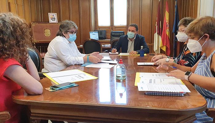 La Diputación de Cuenca trabajará con ATELCU para integrar a las personas que padecen Trastorno del Desarrollo del lenguaje