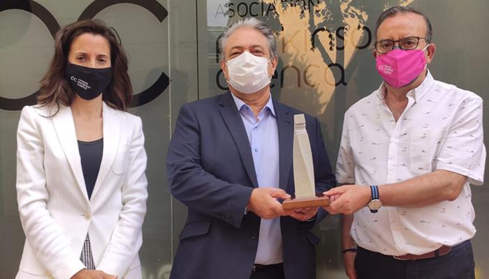 La Hermandad de Donantes de Sangre de Cuenca distingue a la Asociación de Párkinson