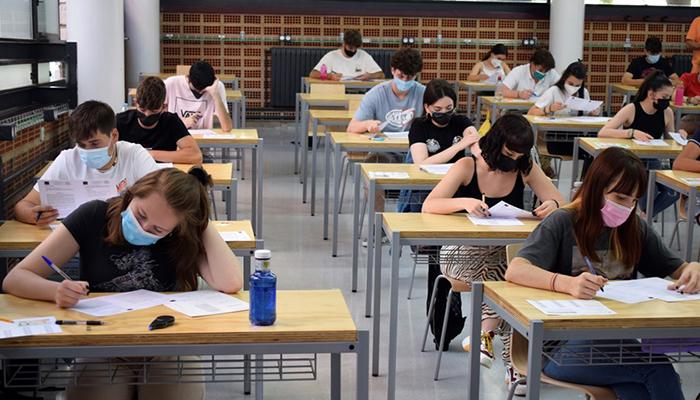 Más de 1300 estudiantes inician la EvAU extraordinaria en la Universidad de Castilla-La Mancha
