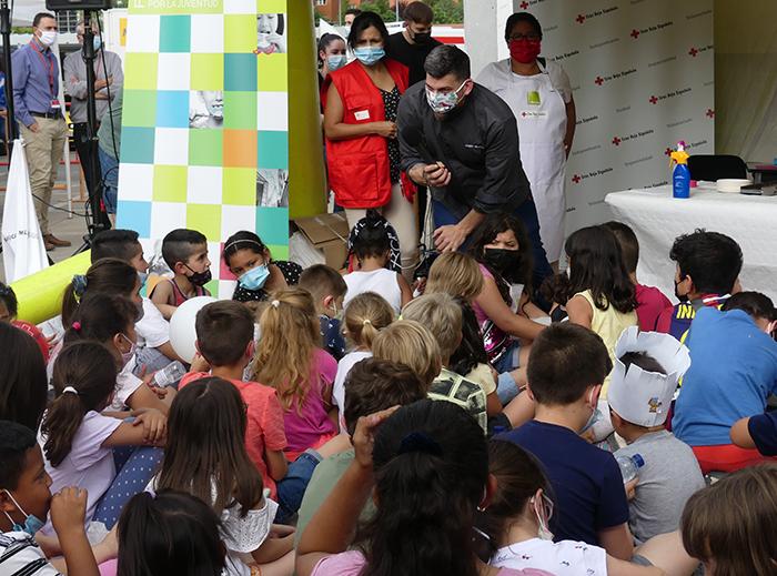 Más de 170 niños aprenden cocina saludable y divertida en Super Chef con Jesús Segura