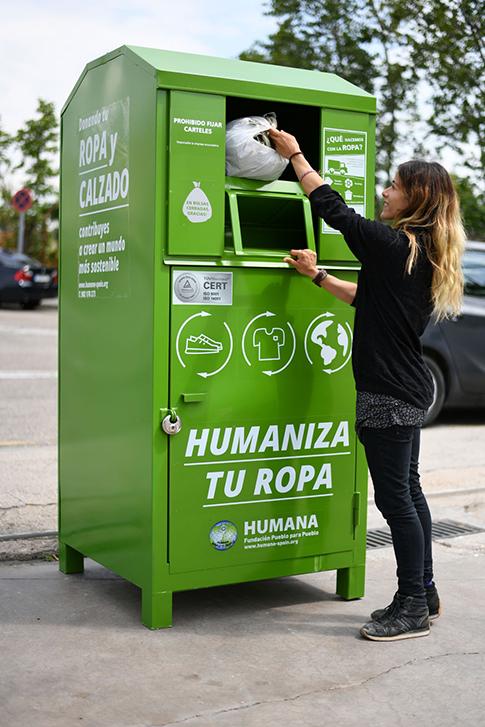 Humana recupera 80.000 prendas de ropa en Tarancón durante el primer semestre para darles una segunda vida