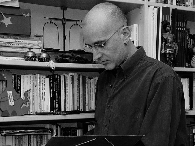 Aro Sáinz de la Maza y su libro 'Dócil' ganan el premio tormo Negro –Masfarné 2021