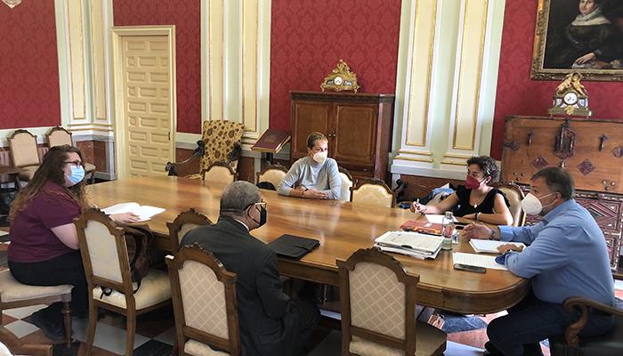 El Alfar o la fibra óptica centran el encuentro del alcalde de Cuenca con la nueva Junta Directiva de la AAVV de San Antón