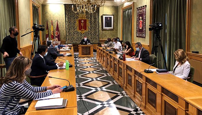 El Ayuntamiento de Cuenca aprueba una modificación de crédito de más 1,5 millones de euros para el muro de la calle Ramiro de Maeztu y el colector de Astrana Marín