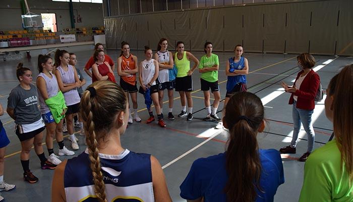 El equipo femenino de baloncesto de la UCLM ultima en Cuenca su preparación para el Campeonato de España Universitario