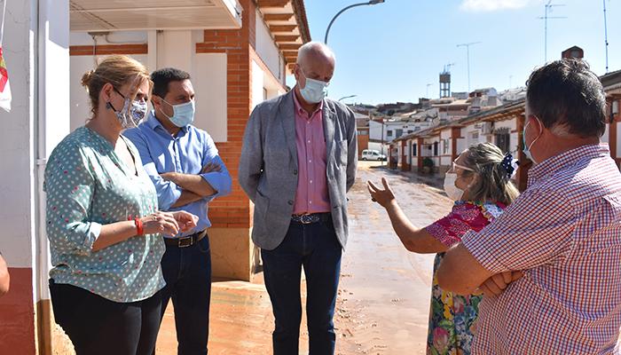 El Gobierno regional, la Diputación Provincial de Cuenca y el Gobierno de España trasladan su apoyo a los vecinos de la localidad de Iniesta