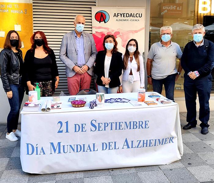 El subdelegado del Gobierno en Cuenca visita a la asociación AFYEDALCU con motivo del Día Mundial del Alzheimer