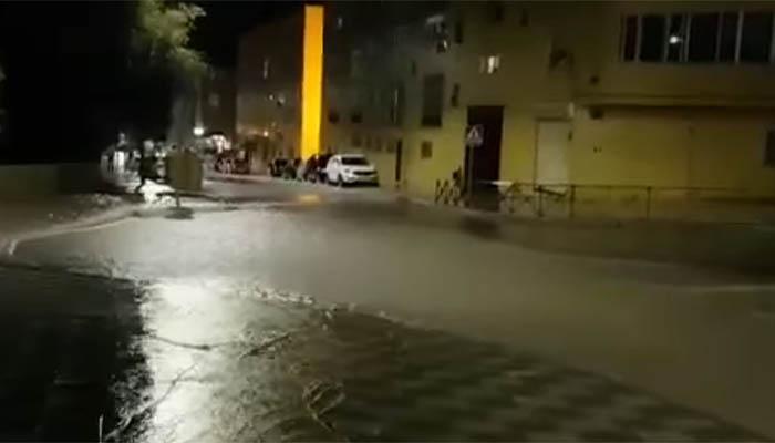 Los bomberos de Cuenca han recibido más de una veintena de avisos por inundaciones de garajes y locales